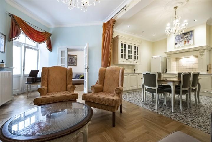 Luksusowe mieszkanie w kamienicy – czy warto?